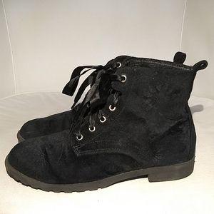3/$35🌺Brash Velveteen Granny Boots